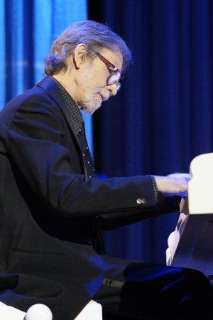 Відомий піаніст Сергій Терентьєв потребує Вашої допомоги